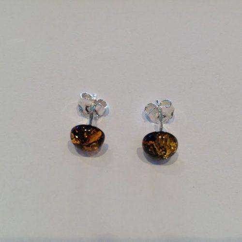 Borostyán köves ezüst fülbevaló – Moha-sárga félgömb
