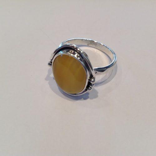 Borostyán köves ezüst gyűrű – Sárgasom