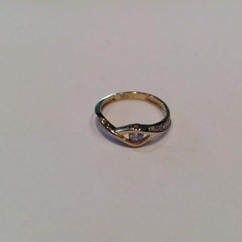 ARANY Gyűrű Köves – Akay