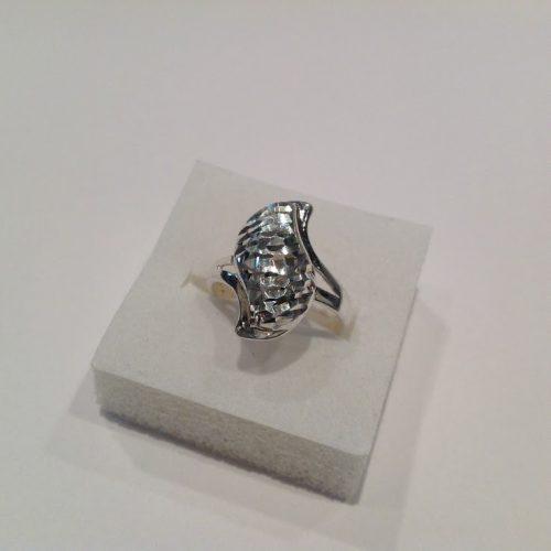 Lézercsiszolású ezüst gyűrű – Tündöklő szirom