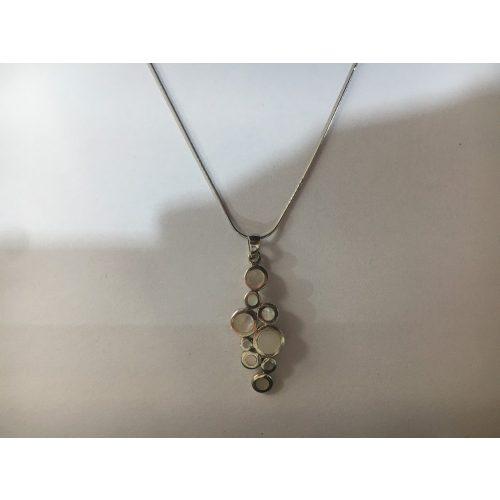 Ezüst gyöngyház medál-Vanda