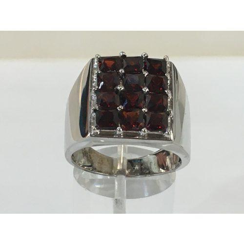 Gránát köves ezüst  gyűrű -Fülöp