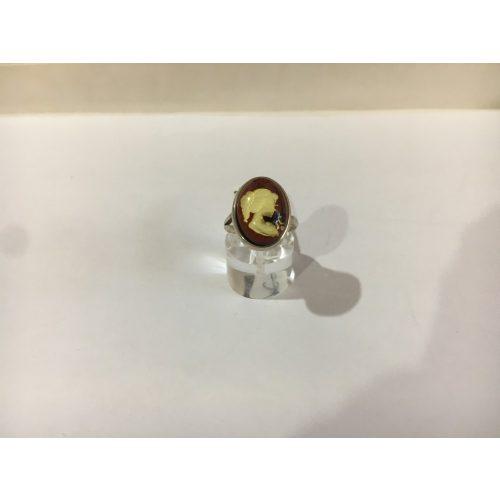 Kameo- borostyán gyűrű