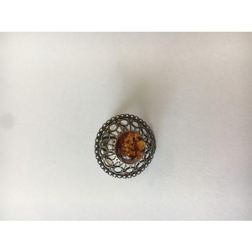 Irina - áttört antikolt borostyán gyűrű